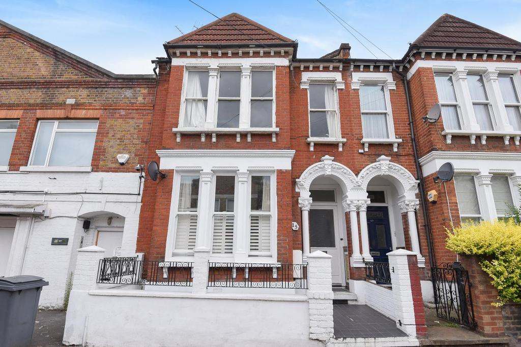 2 Bedrooms Flat for sale in Edgeley Road, Clapham, SW4