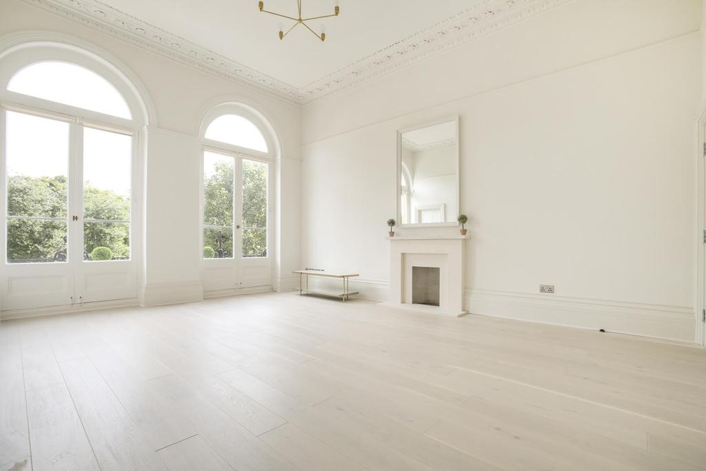 2 Bedrooms Flat for rent in Victoria Square, Clifton