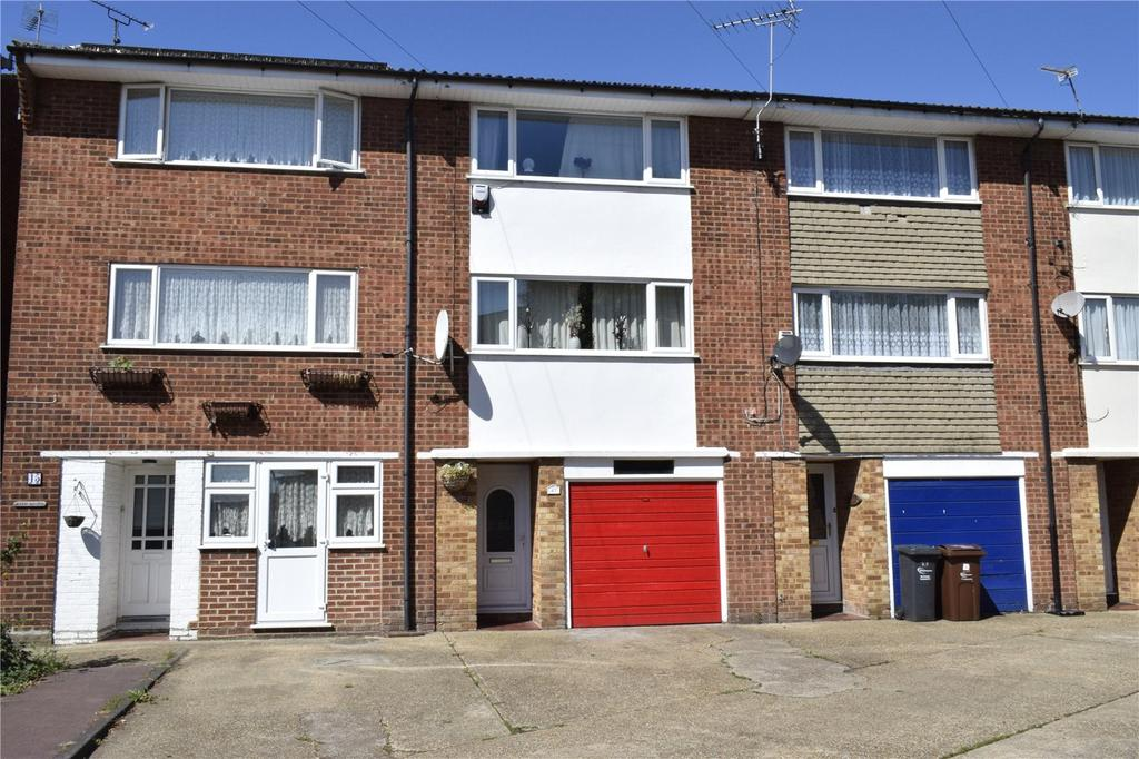 4 Bedrooms Terraced House for sale in Great Cullings, Rush Green, RM7