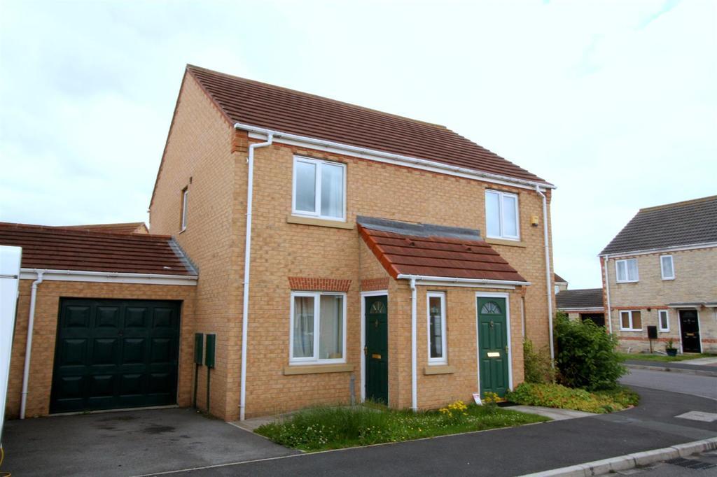 2 Bedrooms Semi Detached House for rent in Ridgewood Close, Darlington