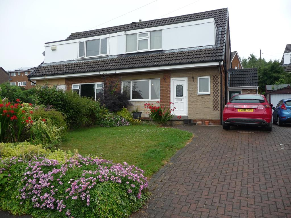 3 Bedrooms Semi Detached House for sale in 10 Risedale Close