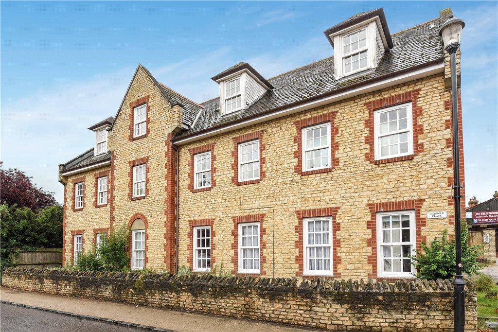 2 Bedrooms Apartment Flat for sale in Harrold Place, High Street, Harrold, Bedfordshire