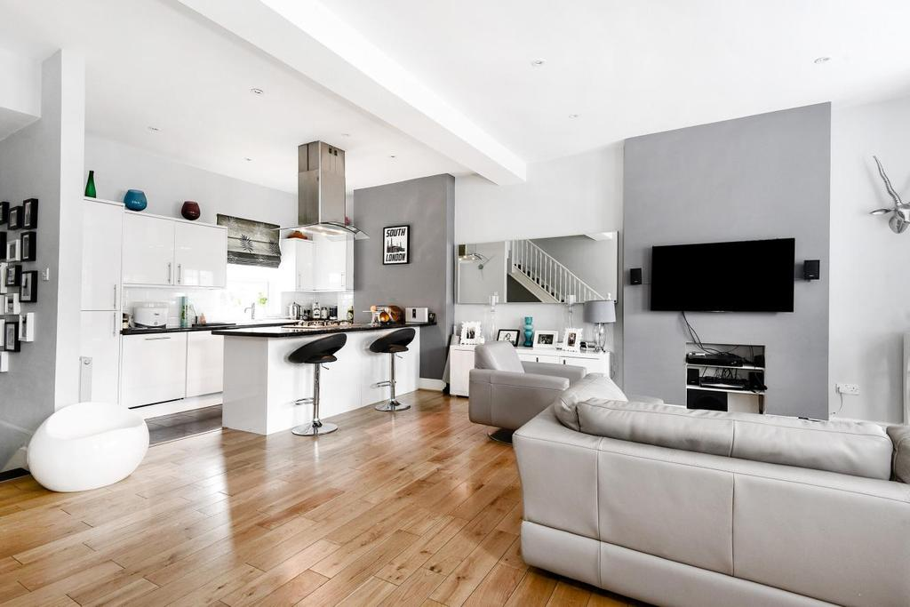 3 Bedrooms Flat for sale in Tooting Bec Road, Tooting Bec, SW17
