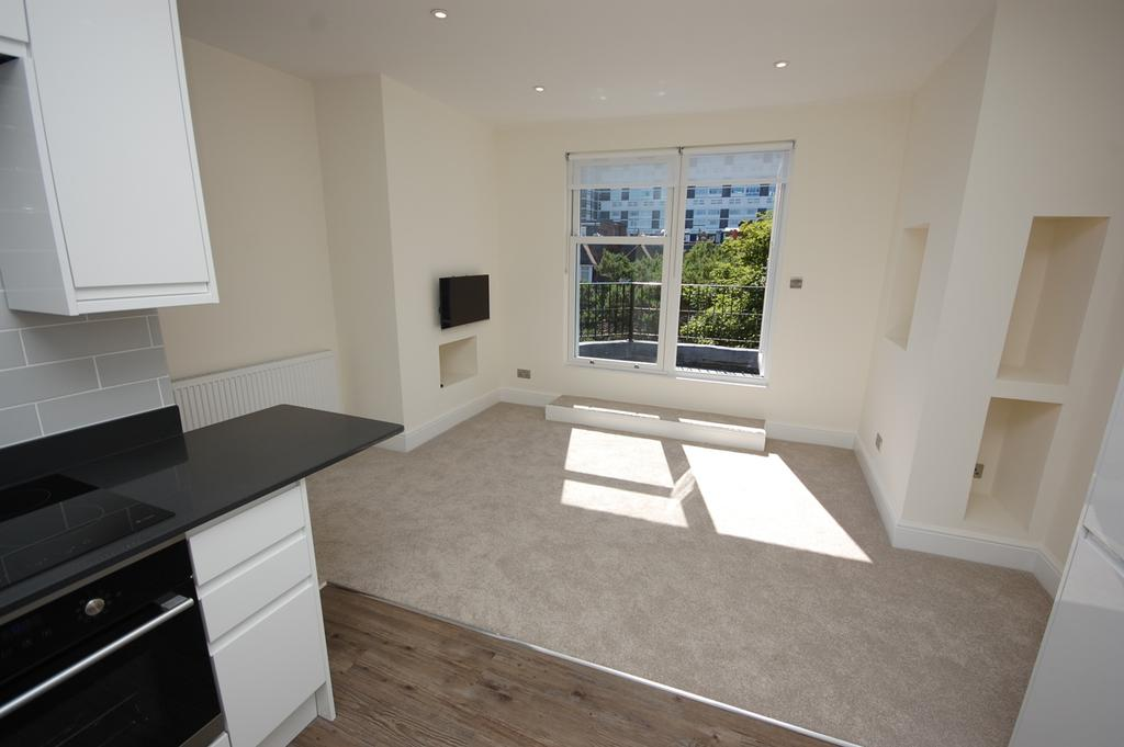 2 Bedrooms Apartment Flat for sale in Cumberland Court, 3 West Cliff Gardens, Bournemouth BH2