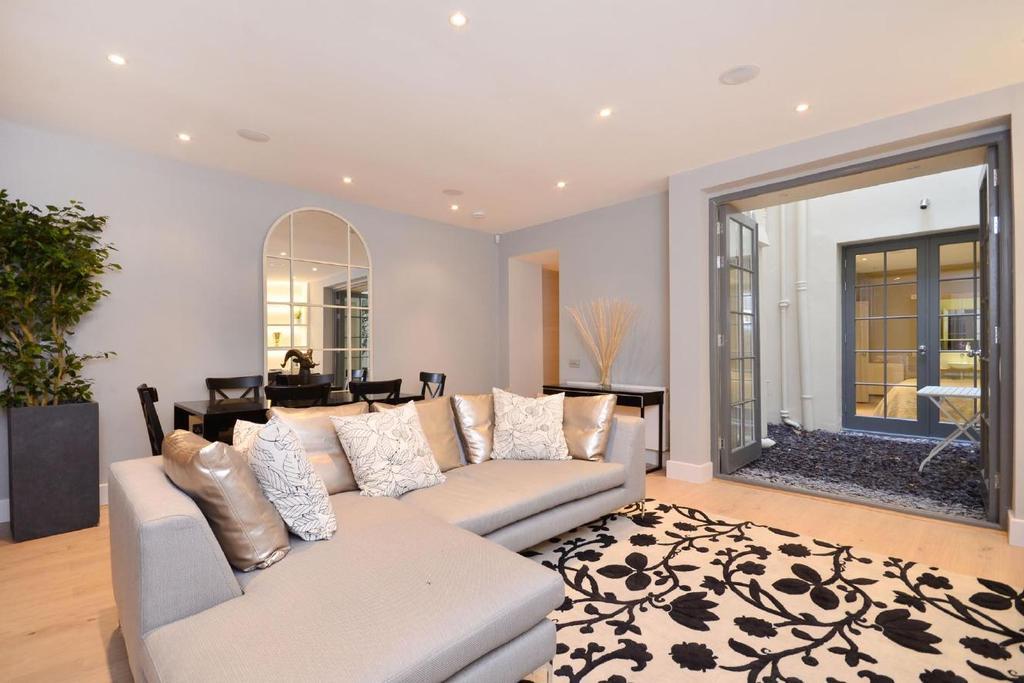 2 Bedrooms Flat for sale in Queens Gardens, Bayswater, W2