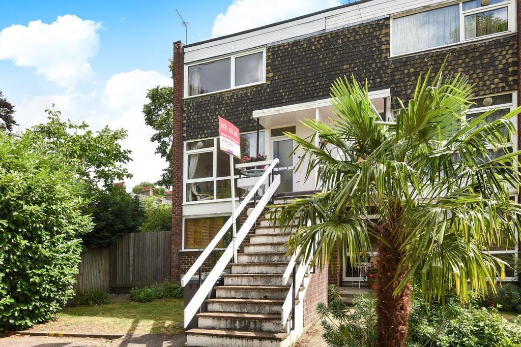 2 Bedrooms Maisonette Flat for sale in Michaels Close, Lewisham