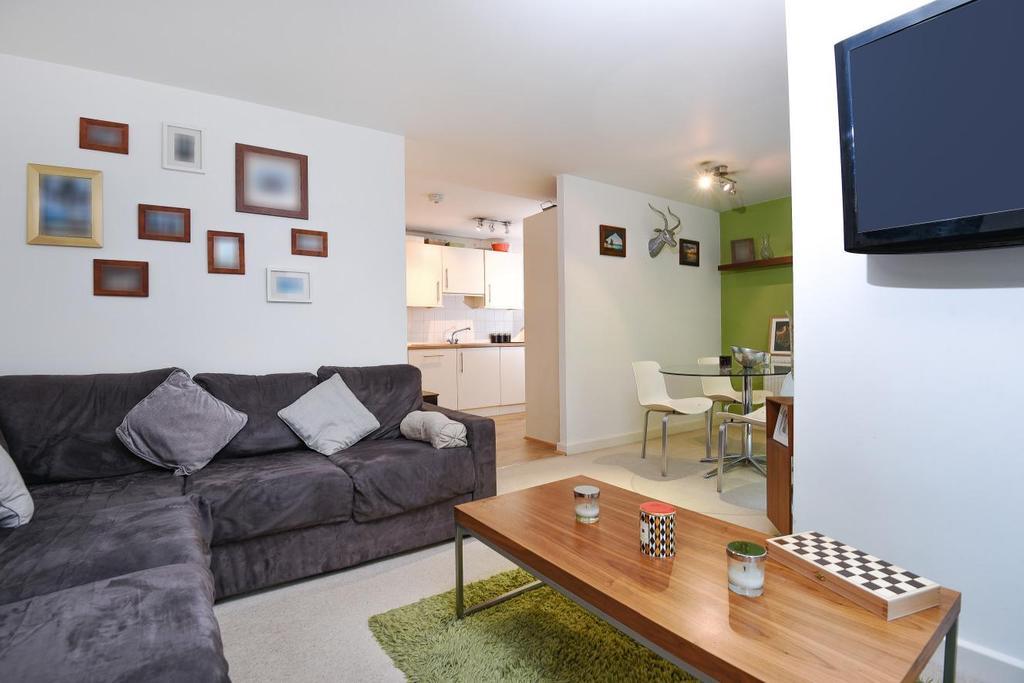 1 Bedroom Flat for sale in Seren Park Gardens, Blackheath