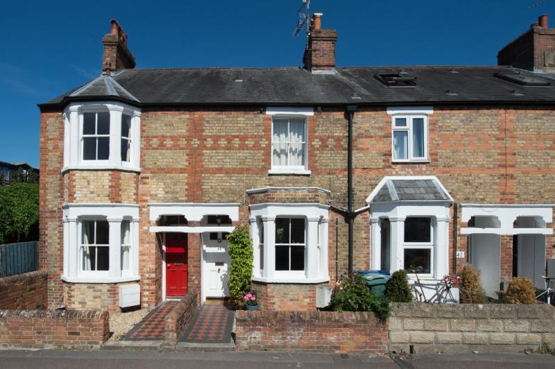 2 Bedrooms Terraced House for sale in Bridge Street, Osney Island, Oxford