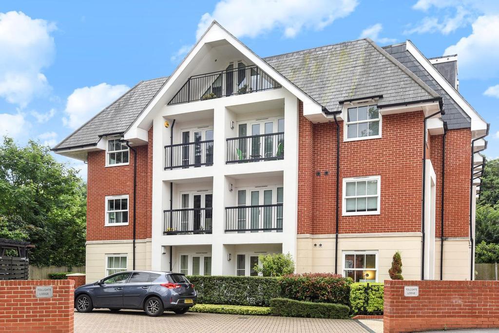 2 Bedrooms Flat for sale in Chislehurst Road, Chislehurst, BR7