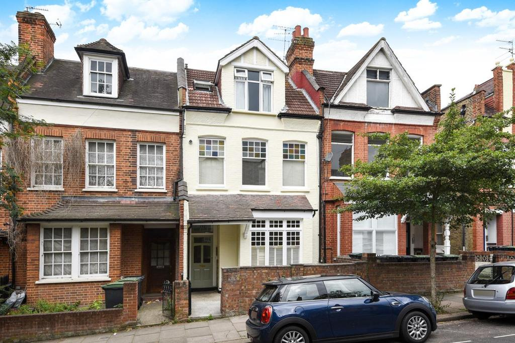 2 Bedrooms Flat for sale in Nelson Road, Crouch End