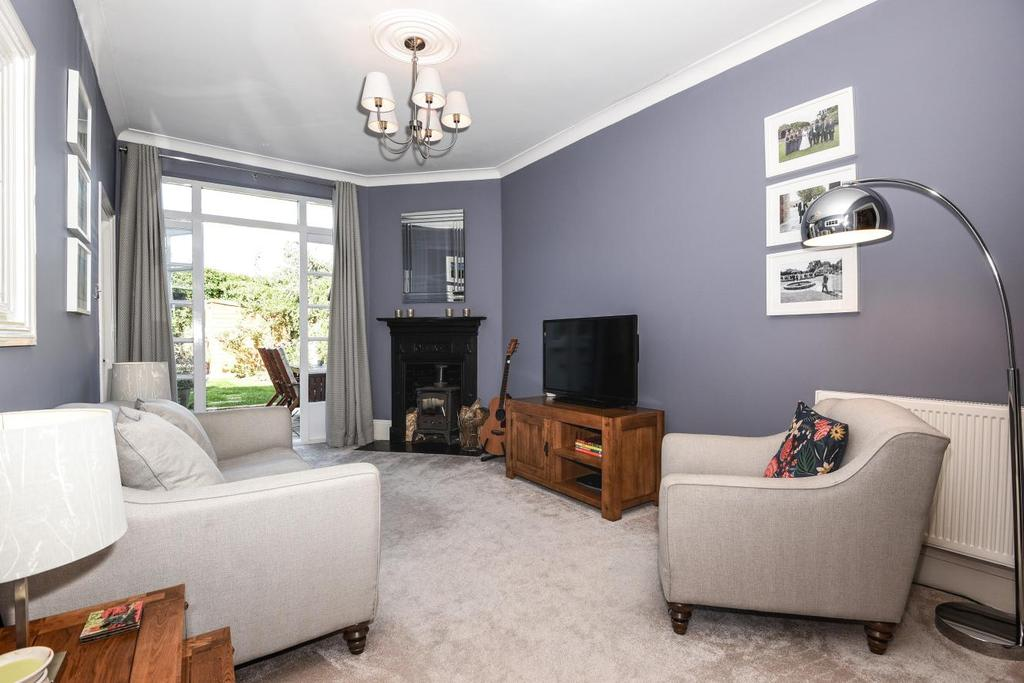 1 Bedroom Flat for sale in Rathcoole Avenue, Crouch End