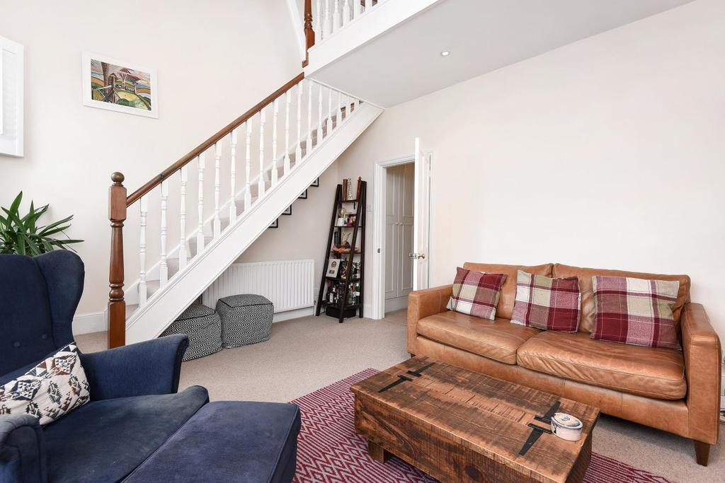 2 Bedrooms Flat for sale in Earlsfield Road, Earlsfield