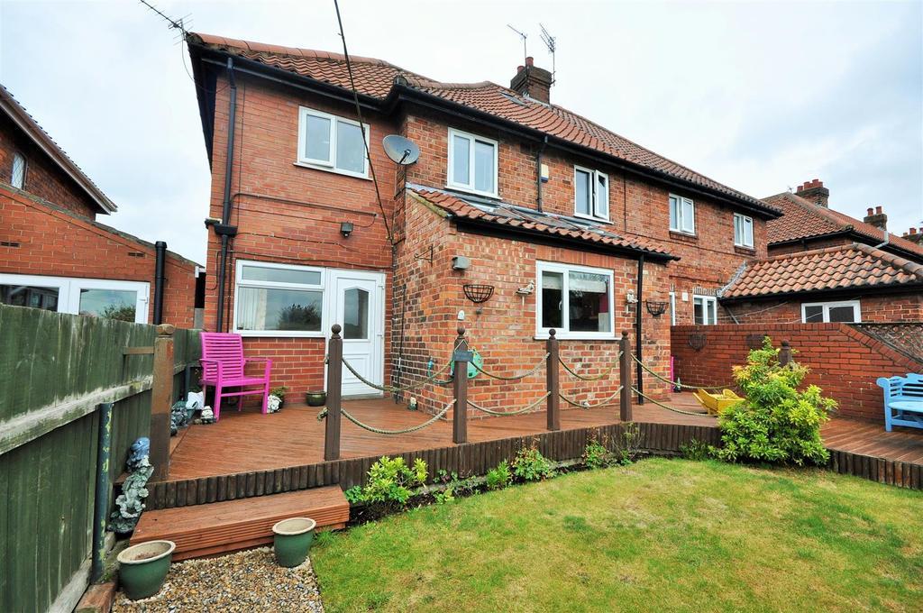 5 Bedrooms Semi Detached House for sale in Long Ridge Lane, Nether Poppleton, York