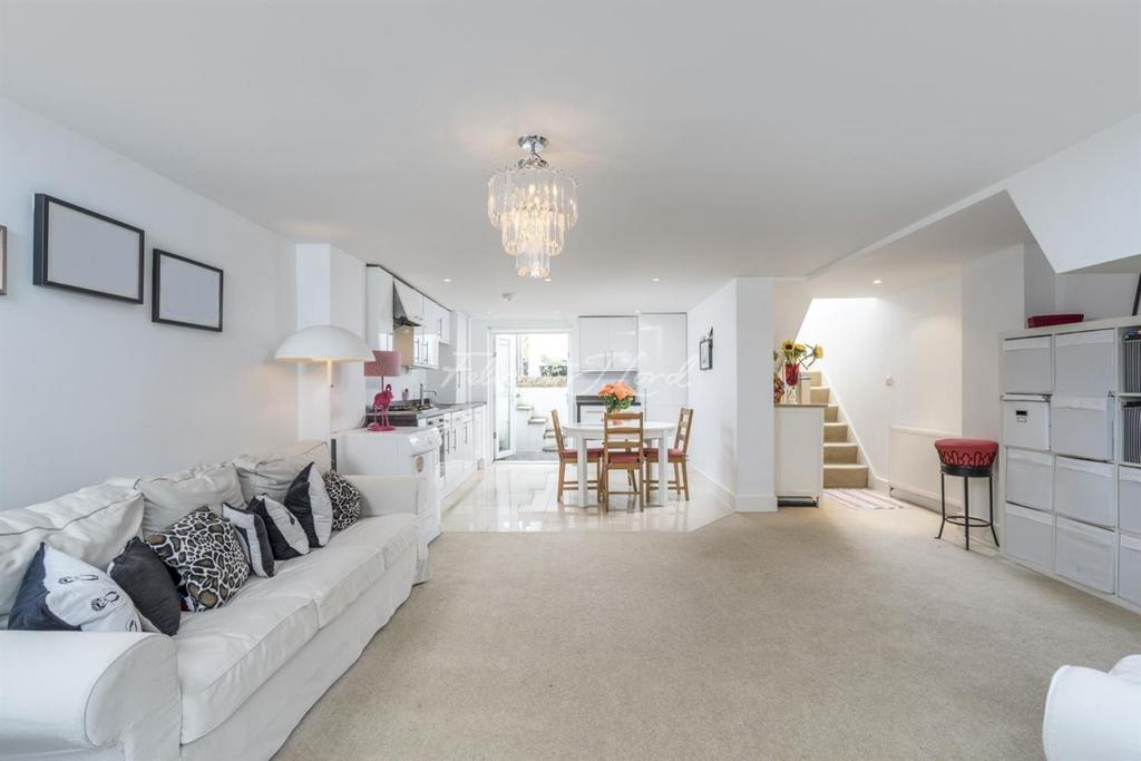 3 Bedrooms Flat for sale in Mount Pleasant Lane, Clapton, E5