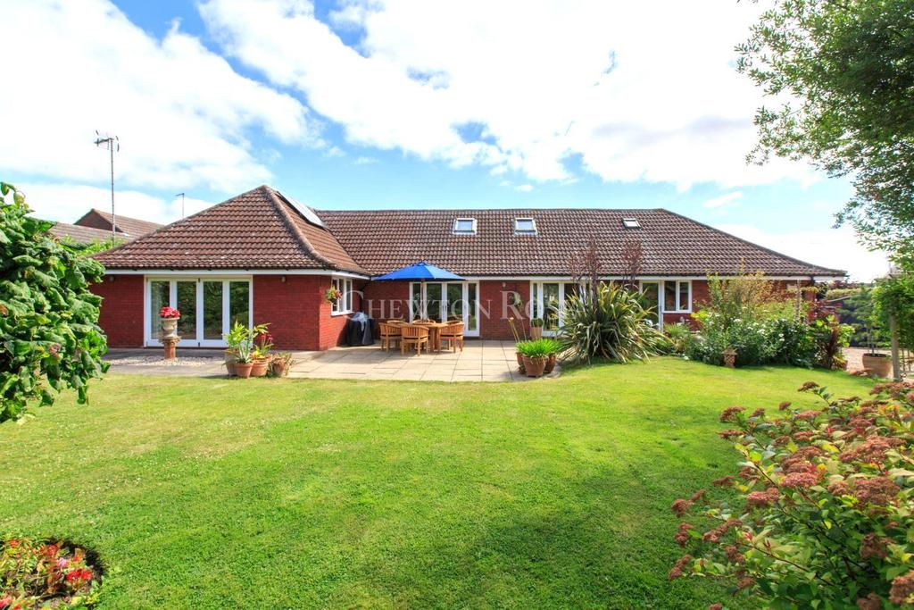 3 Bedrooms Bungalow for sale in Tiptree