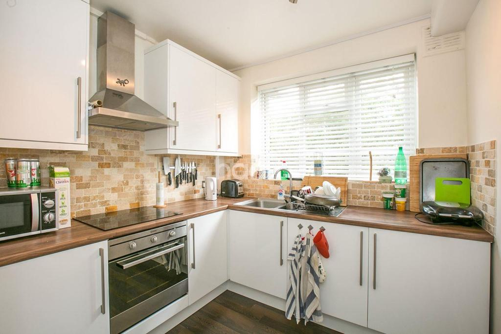 2 Bedrooms Flat for sale in Patterson Road, Crystal Palace, SE19