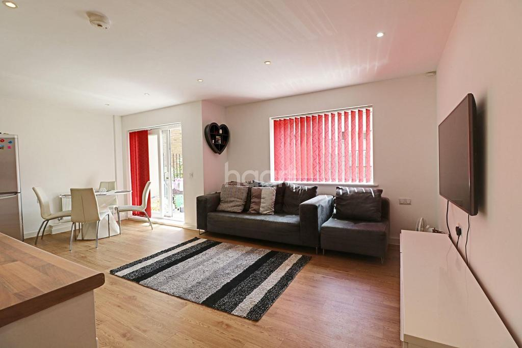 2 Bedrooms Flat for sale in Modern Apartment