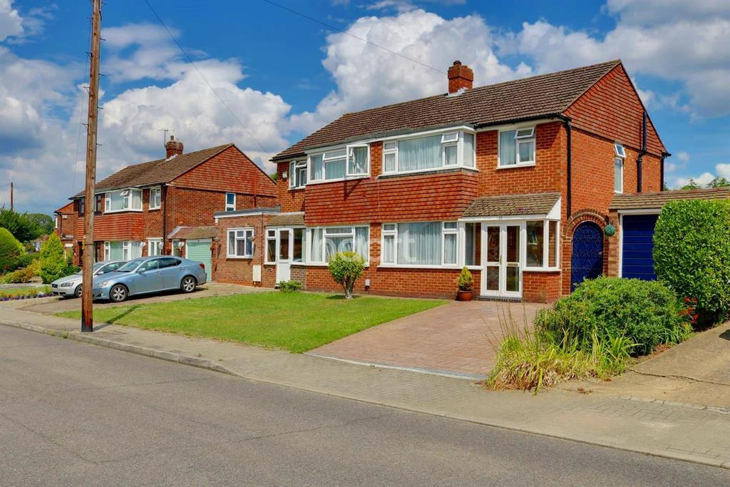 3 Bedrooms Semi Detached House for sale in Prescott Ave, BR5