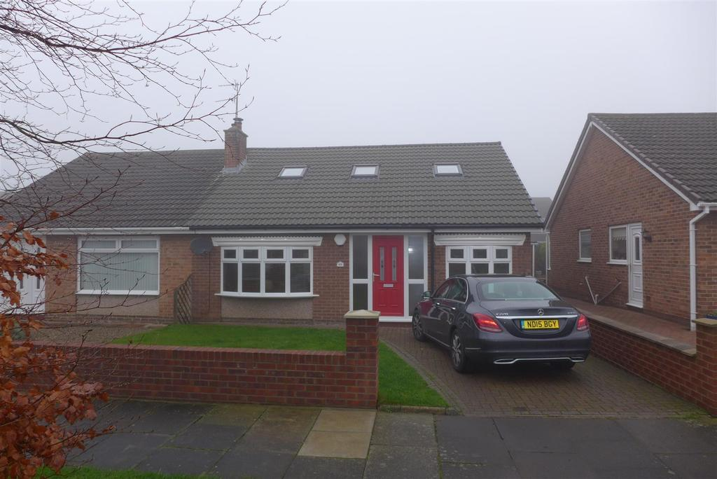 3 Bedrooms Detached Bungalow for sale in Longacre, Houghton Le Spring