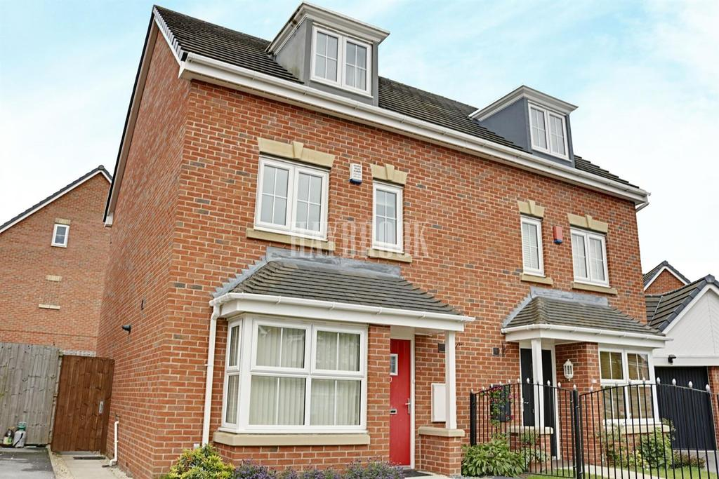4 Bedrooms Semi Detached House for sale in St Helens Avenue, Smithies