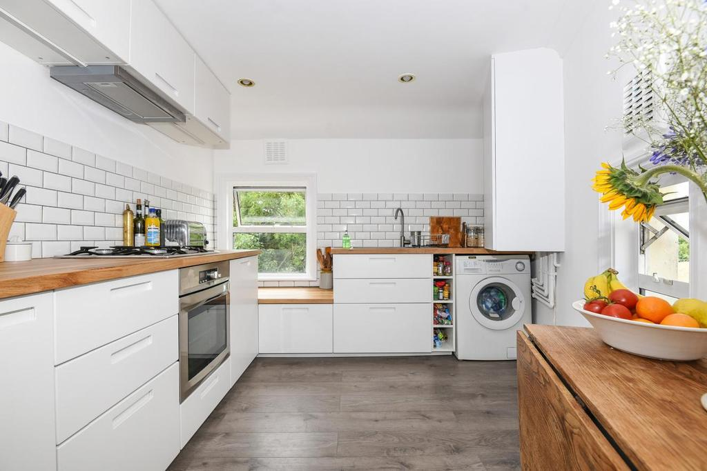 3 Bedrooms Flat for sale in Rye Hill Park, Peckham