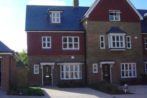 3 bedroom townhouse to rent - Highgrove Avenue, Hanover Gardens, Ascot SL5