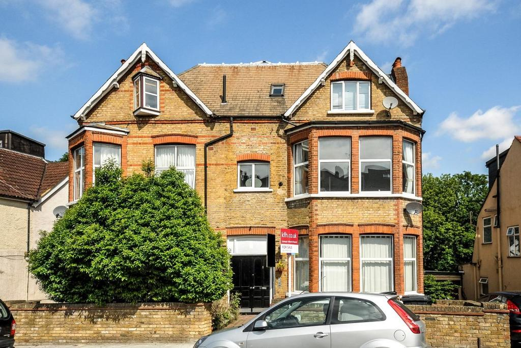 2 Bedrooms Flat for sale in Knollys Road, Streatham