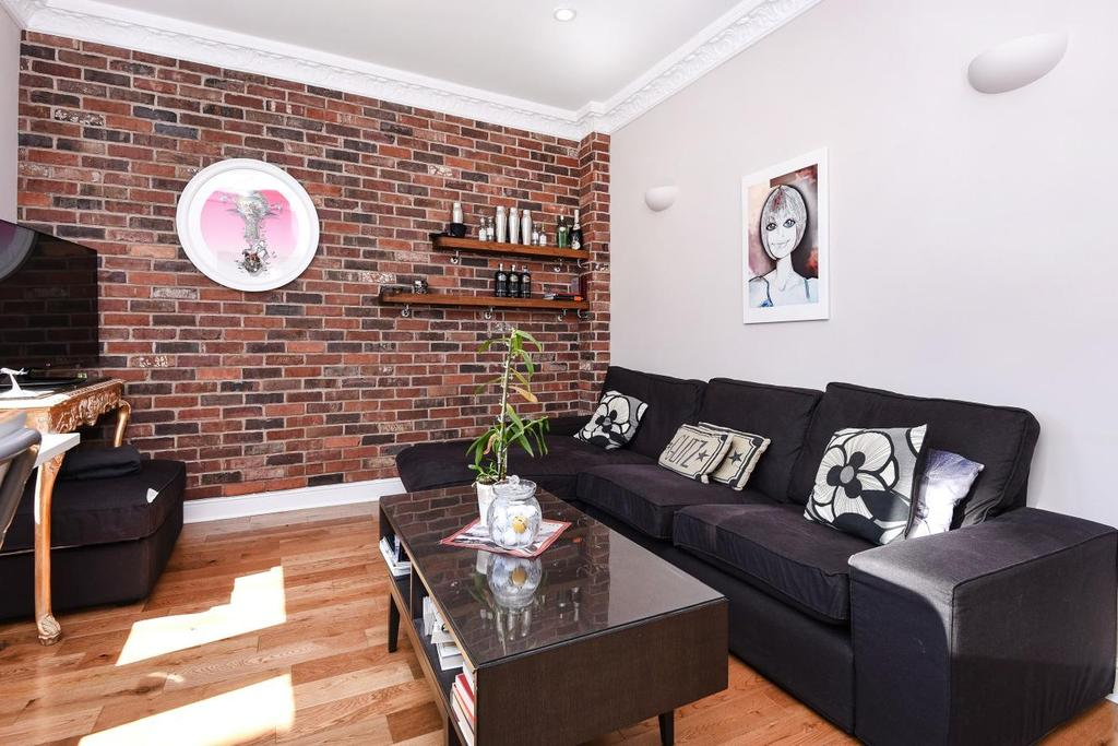 2 Bedrooms Maisonette Flat for sale in Blakenham Road, Tooting