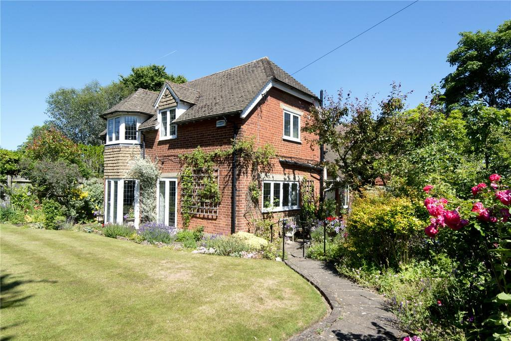 4 Bedrooms Detached House for sale in Holly Bush Lane, Sevenoaks, Kent, TN13