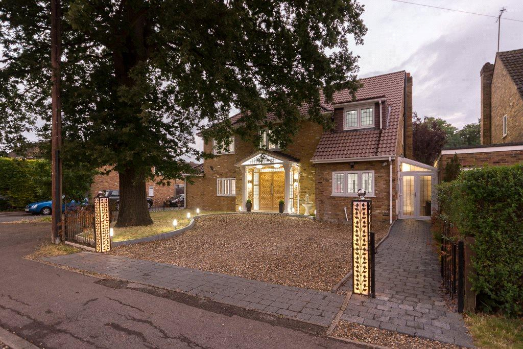 6 Bedrooms Detached House for rent in Hatch Lane, Windsor, Berkshire, SL4