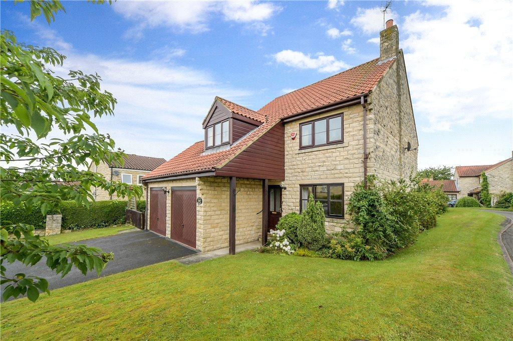 3 Bedrooms Detached House for sale in Willow Lane, Clifford, Nr Wetherby