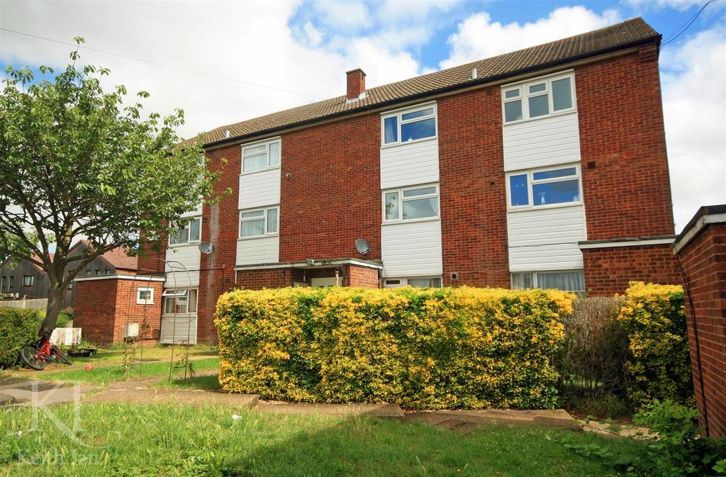 2 Bedrooms Maisonette Flat for sale in Cundalls Road, Ware