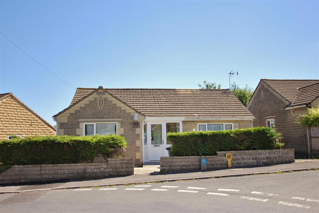 3 Bedrooms Detached House for sale in Huntingdon Rise, Bradford-On-Avon