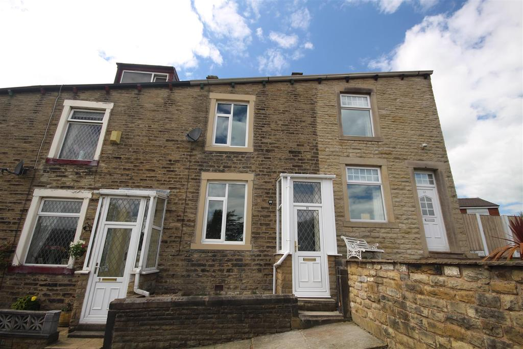 3 Bedrooms Terraced House for sale in 11 Robinson Street, Colne