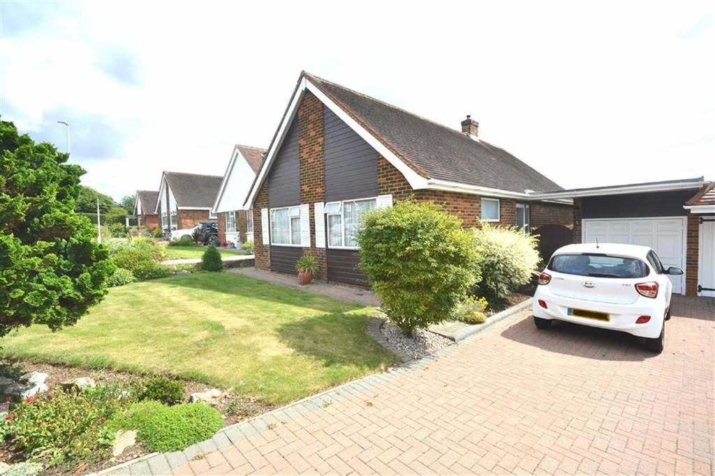 2 Bedrooms Detached Bungalow for sale in The Orchards, Epping, Essex, CM16