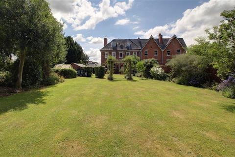 7 bedroom townhouse for sale - High Street, Newent, Gloucestershire