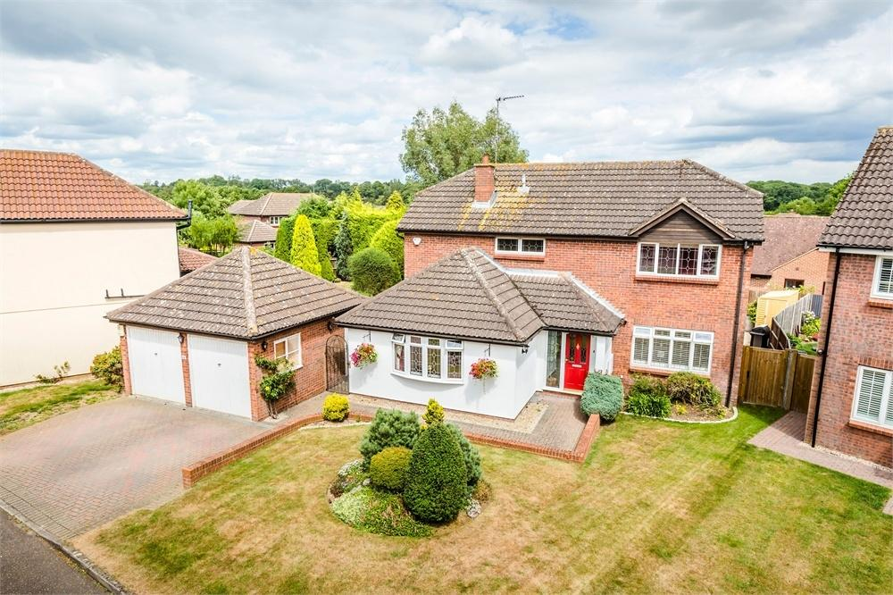 4 Bedrooms Detached House for sale in Five Acres, Cambridge Road, Stansted Mountfitchet, Essex