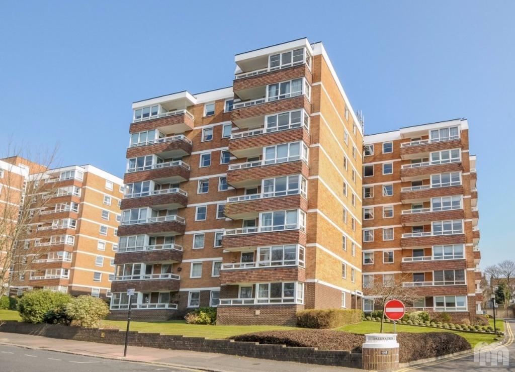 2 Bedrooms Flat for rent in Preston Park Avenue Brighton East Sussex BN1