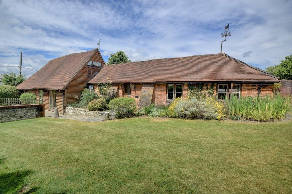 3 Bedrooms Barn Conversion Character Property for sale in Stable Barn, Stroud, PETERSFIELD, Hampshire