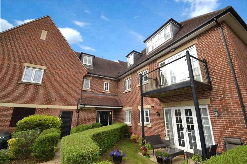 2 Bedrooms Apartment Flat for sale in Woodgate Mews, Watford, Hertfordshire, WD17