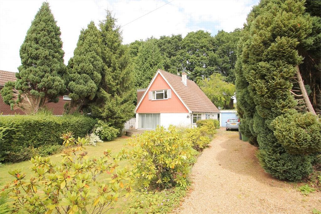 3 Bedrooms Detached House for sale in Windlesham, Surrey