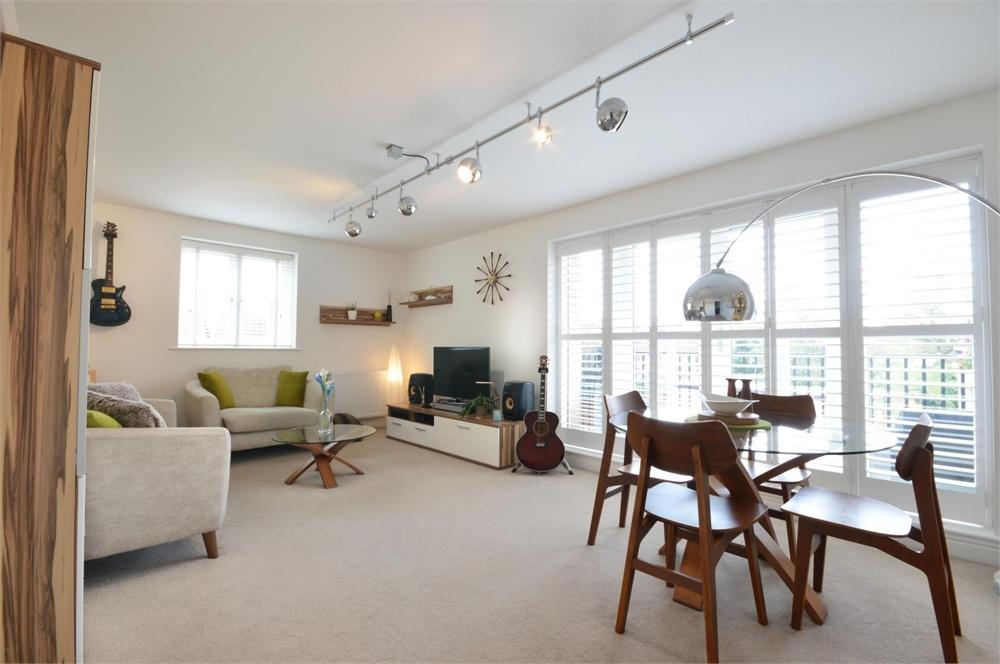1 Bedroom Flat for sale in Jepson Drive, The Residence, Stone