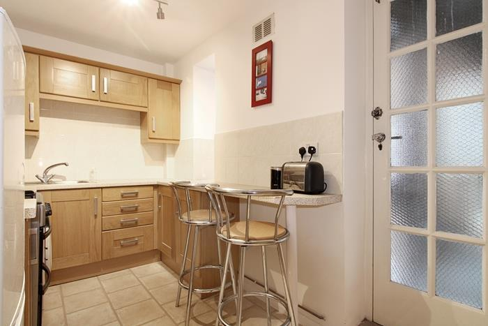 1 Bedroom Flat for sale in Keswick Road, London