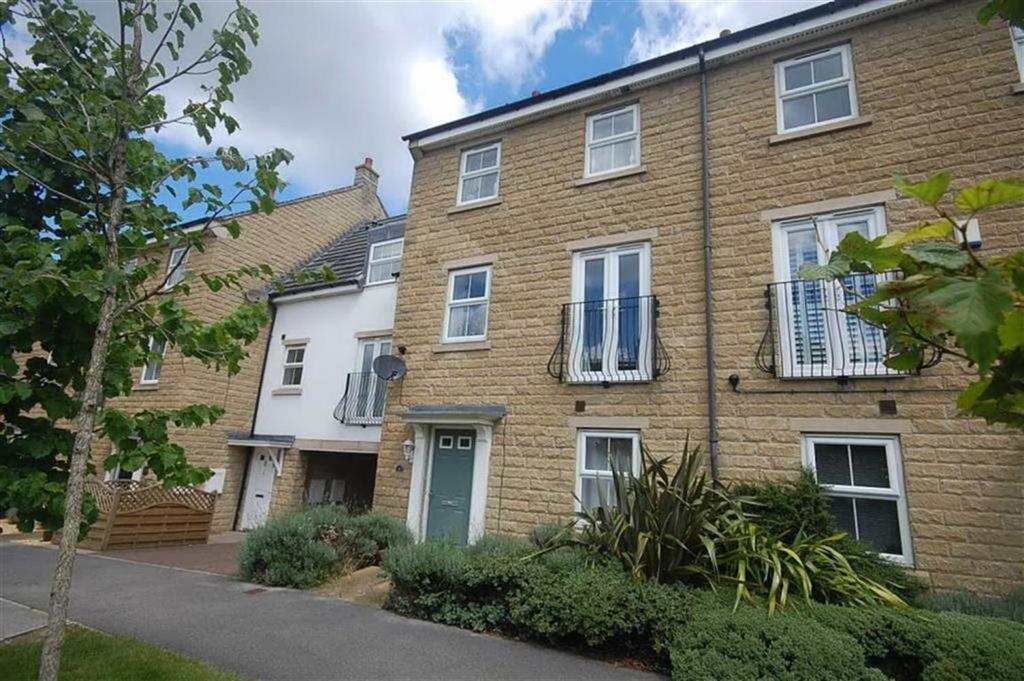 4 Bedrooms Town House for sale in Springfield Court, Roberttown, WF15