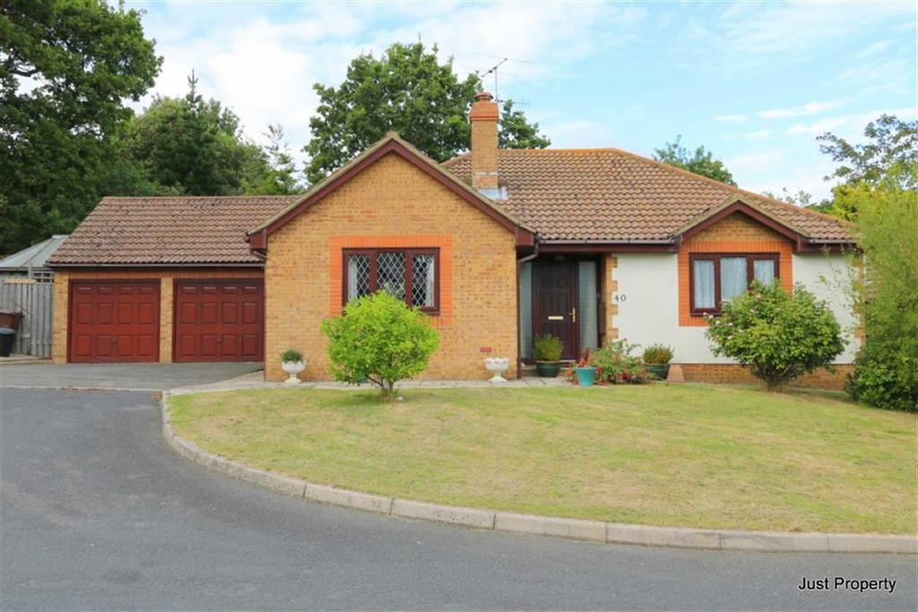 3 Bedrooms Detached Bungalow for sale in Fairfield Chase, Bexhill On Sea