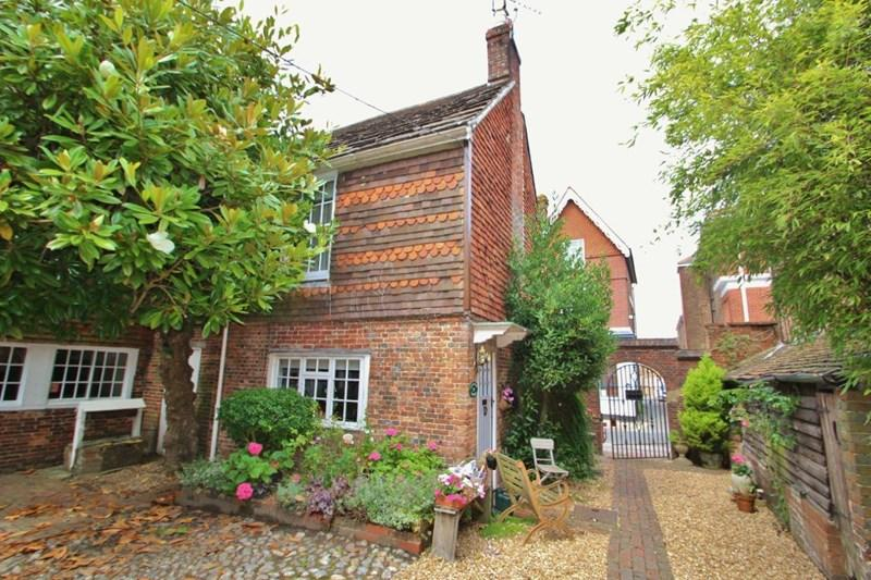 2 Bedrooms Cottage House for sale in High Street, Hurstpierpoint