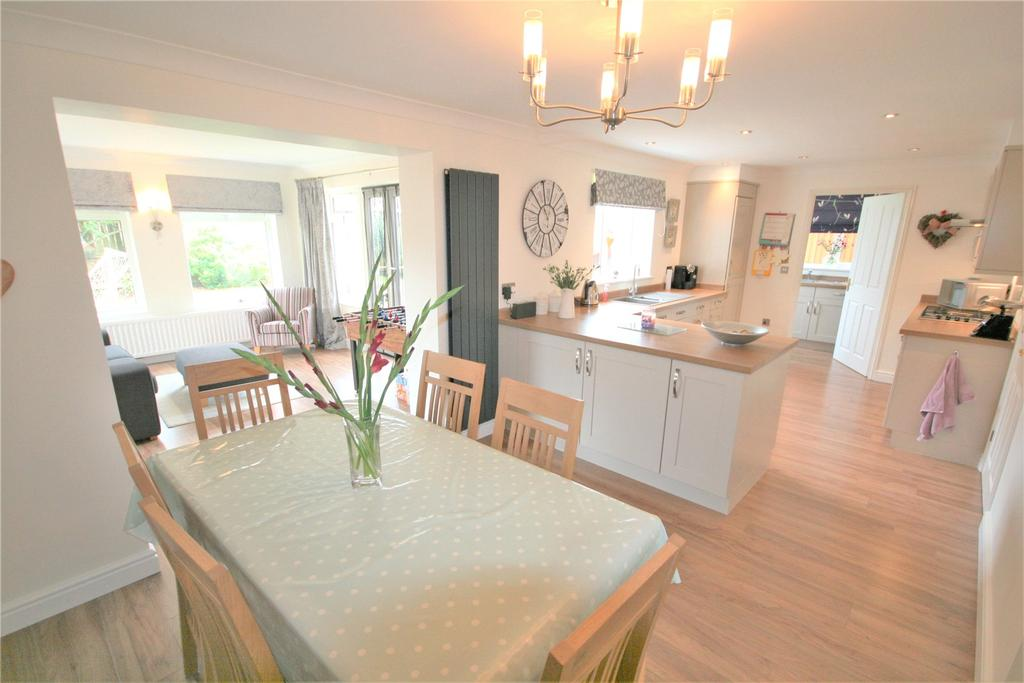 4 Bedrooms Detached House for sale in Blyth Way, Laceby, DN37