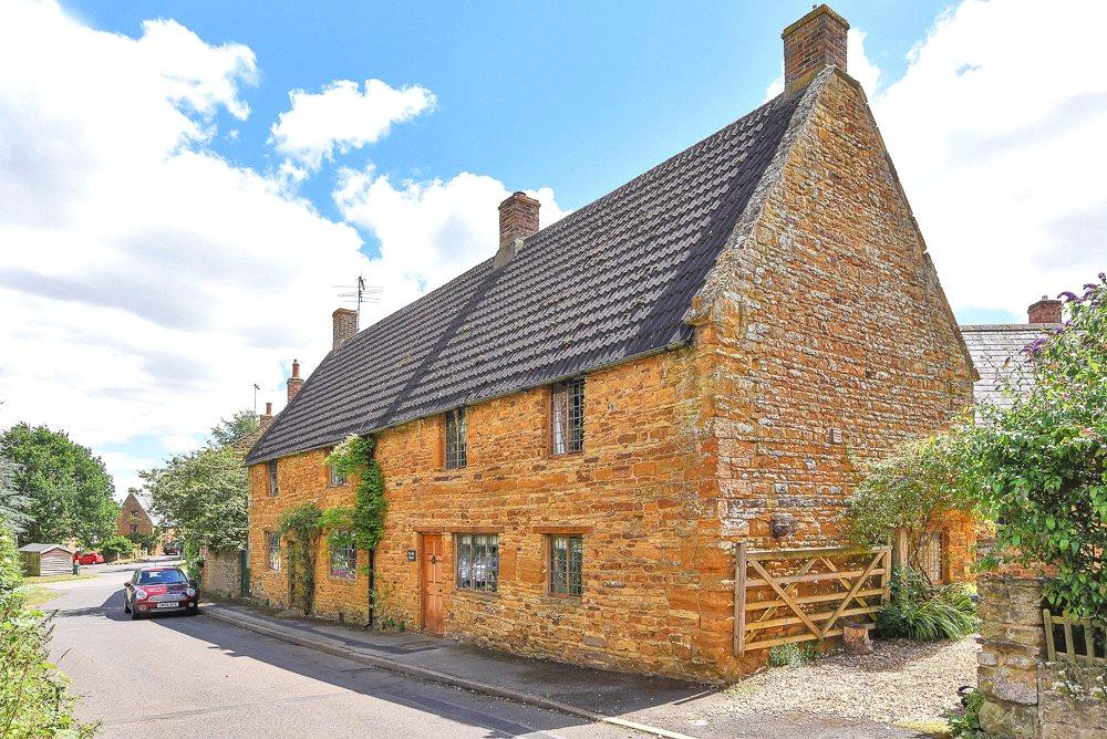 6 Bedrooms Detached House for sale in Scaldwell, Northamptonshire