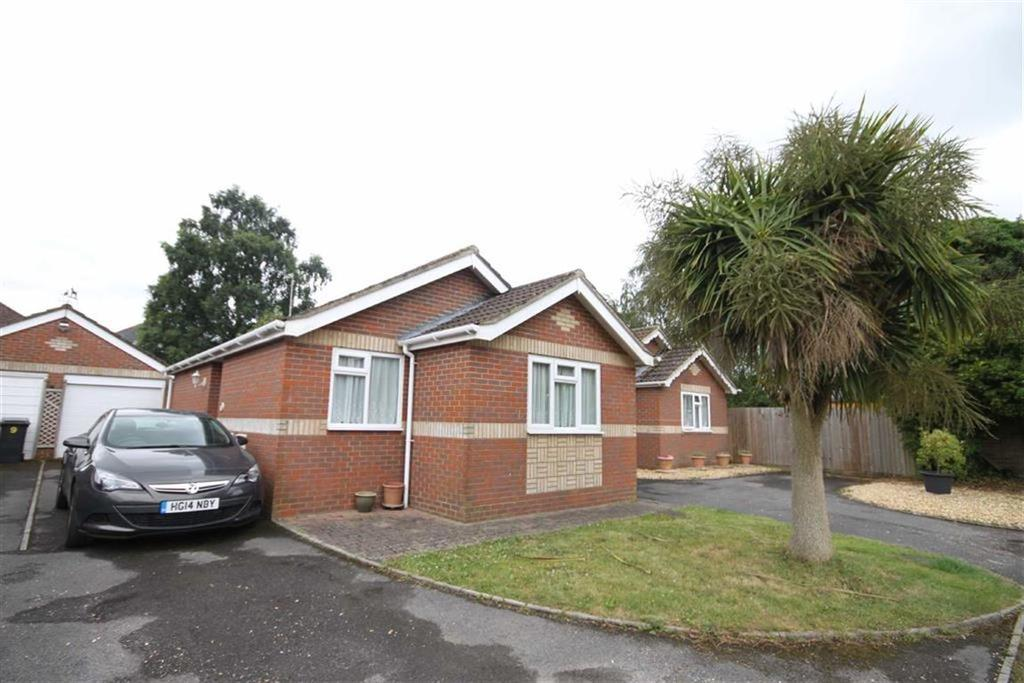 2 Bedrooms Detached Bungalow for sale in Widget Close, Bournemouth, Dorset