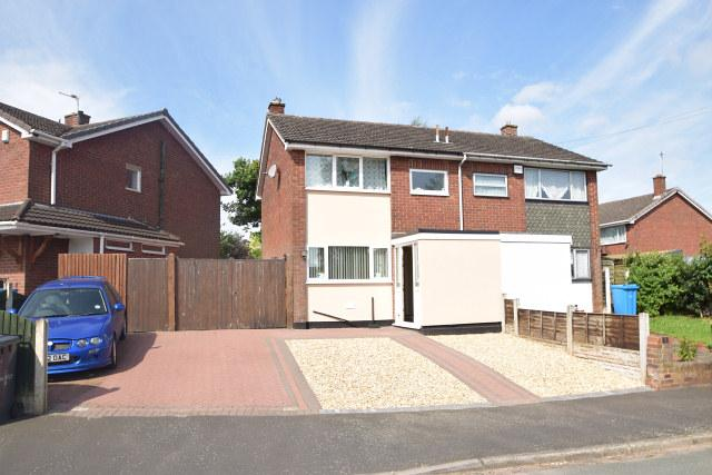 3 Bedrooms Semi Detached House for sale in Fair Oaks Drive,Great Wyrley,Staffordshire